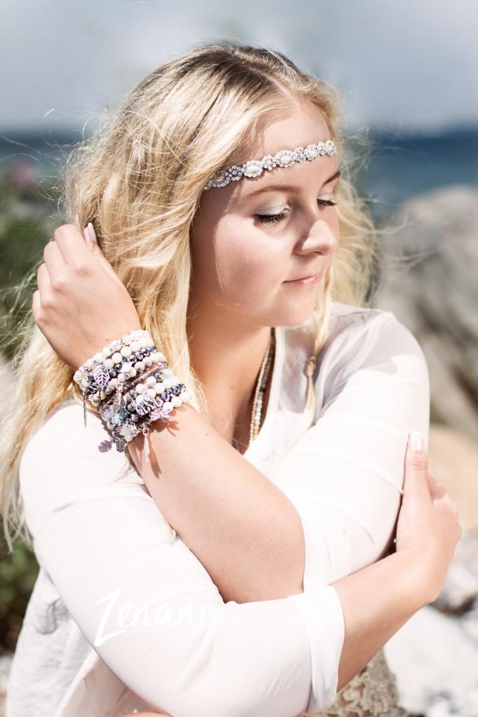 strand fotoshoot, smykker mai copenhagen, naturlige kvinder, strand og smykker, model på strand, zenani
