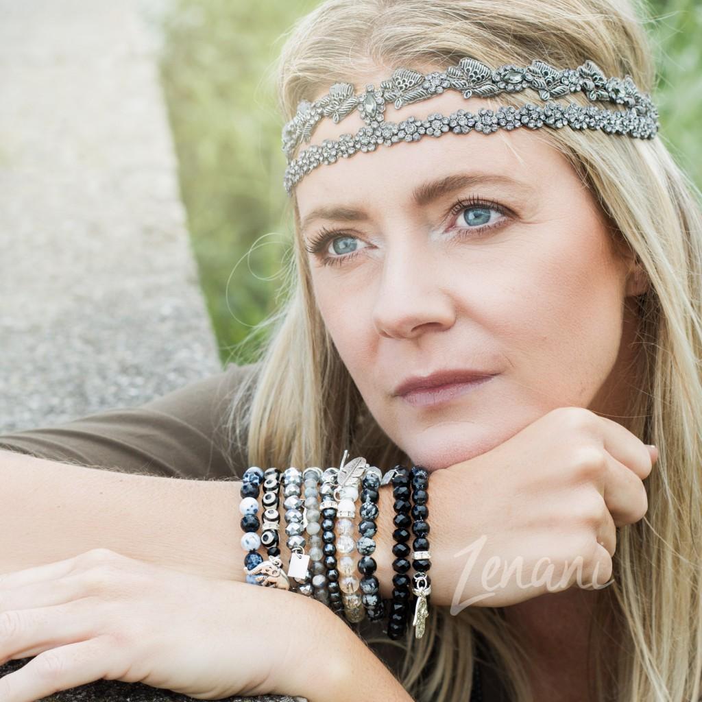 strand fotoshoot, smykker mai copenhagen, Jane Michelsen, naturlige kvinder, strand og smykker, model på strand, zenani