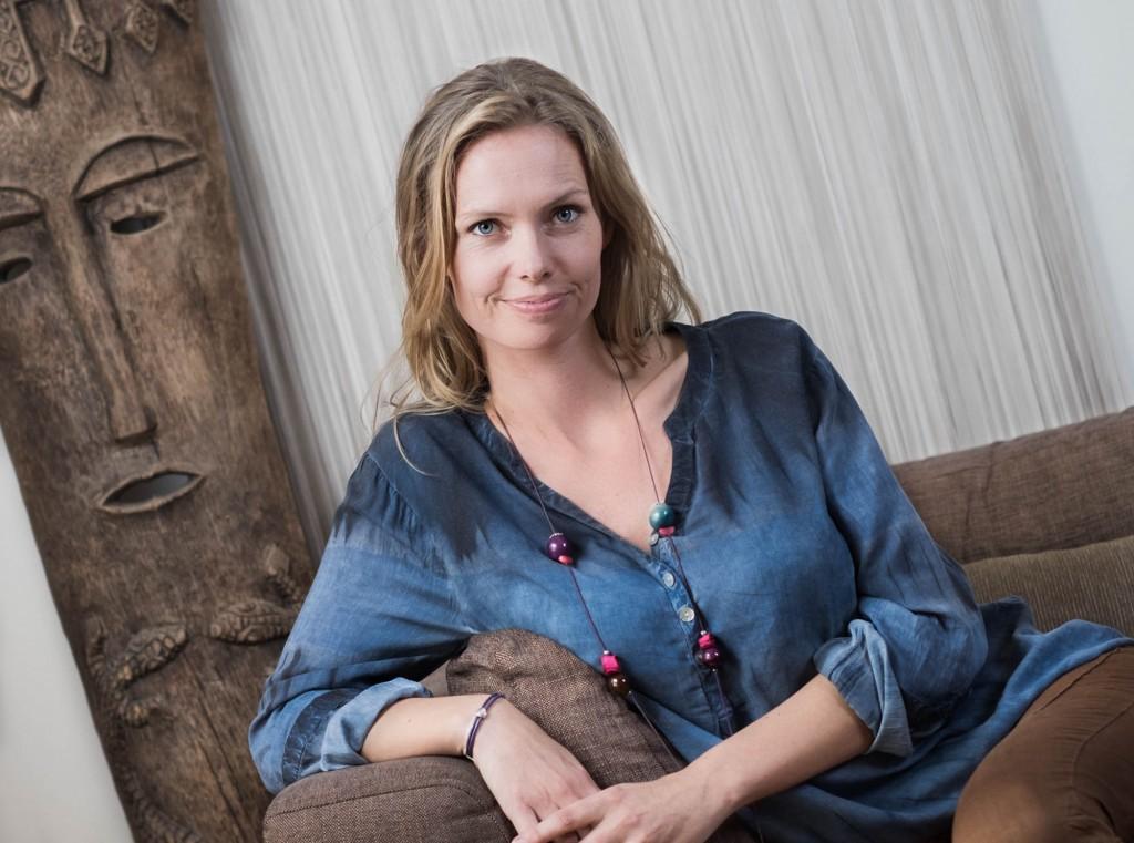portræt af Susanna Zenani, Guldsmeden Hotel, moden kvinde i sofa, Zenani