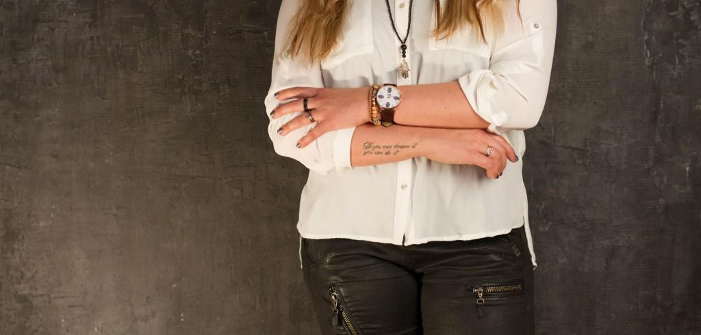billedbehandling, reklamebilleder for Mai Copenhagen, kvinde med designerur, Zenani